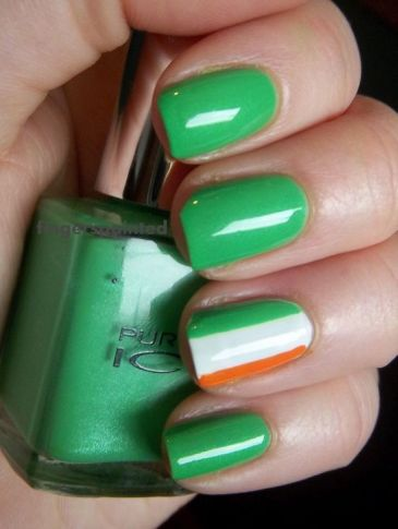 Elegant-St.-Patricks-Day-Nails-with-Irish-Flag