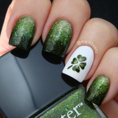 Glittery-St.-Patricks-Day-Nails-with-Shamrock
